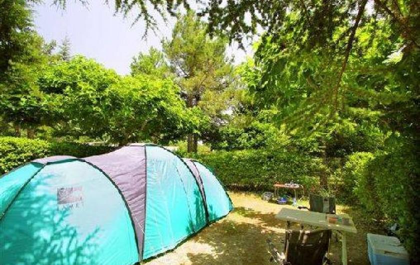 Location de vacances - Camping à Villemoustaussou - Emplacement sans électricité