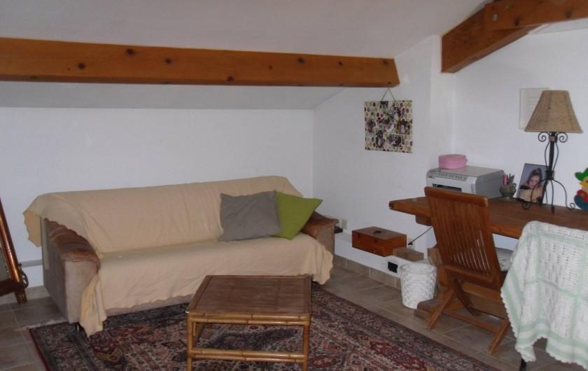 Location de vacances - Villa à Aubais - Espace lecture sur mezzanine