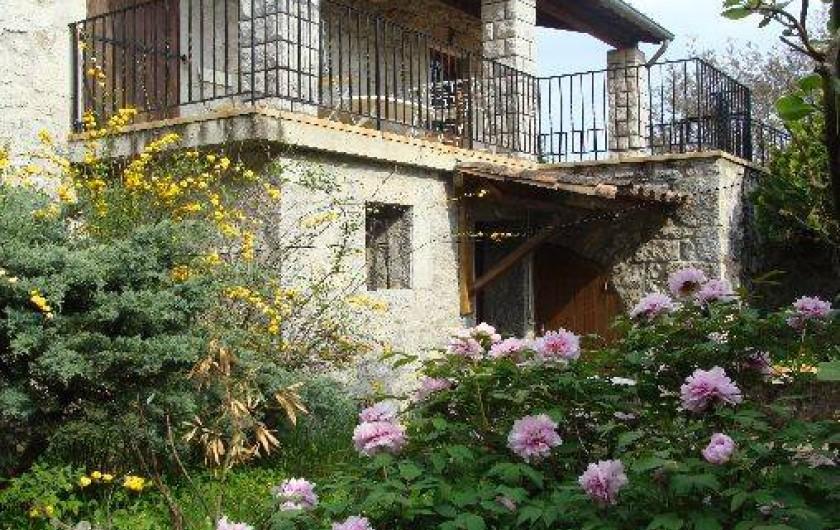 Location de vacances - Appartement à Saint-Alban-Auriolles - Jardin du Rez-de-Chaussée