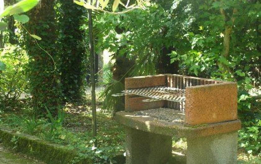 Location de vacances - Appartement à Saint-Alban-Auriolles - Jardin Rez-de-Chaussée