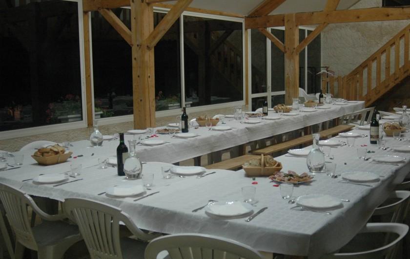 Location de vacances - Bungalow - Mobilhome à Villefranche-de-Rouergue - repas organisé au camping