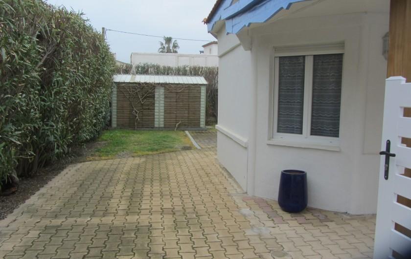 Location de vacances - Villa à Saint-Pierre la Mer - Place voiture