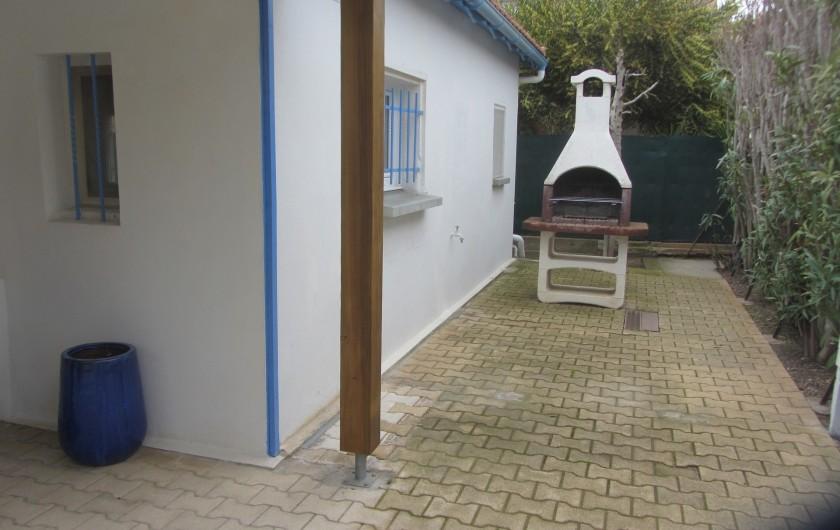 Location de vacances - Villa à Saint-Pierre la Mer - Barbecue