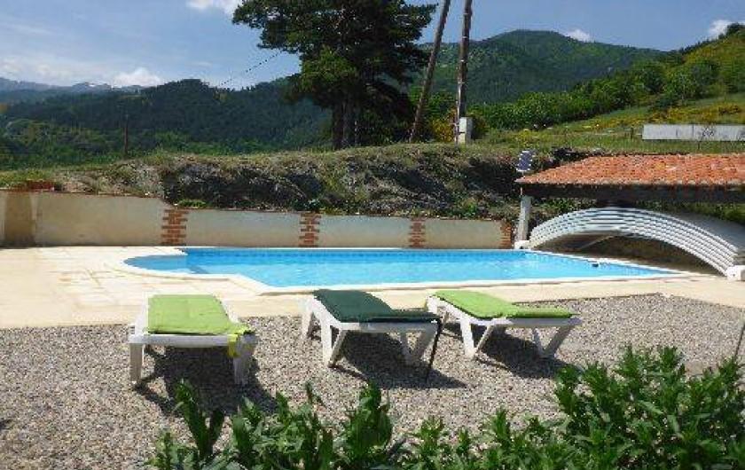 Location de vacances - Gîte à Prats-de-Mollo-la-Preste - La piscine avec terrasse.