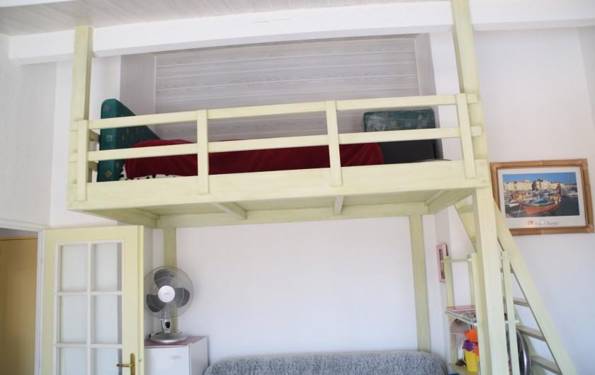 Location de vacances - Appartement à Fréjus - Mezzanine dans séjour