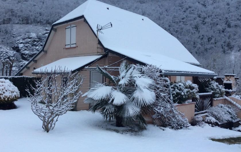 Location de vacances - Gîte à Cier-de-Luchon - le gîte sous la neige