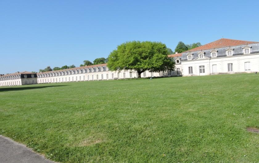 Location de vacances - Villa à Rochefort - corderie Royale et ses 300m de long sur les bords de la Charente