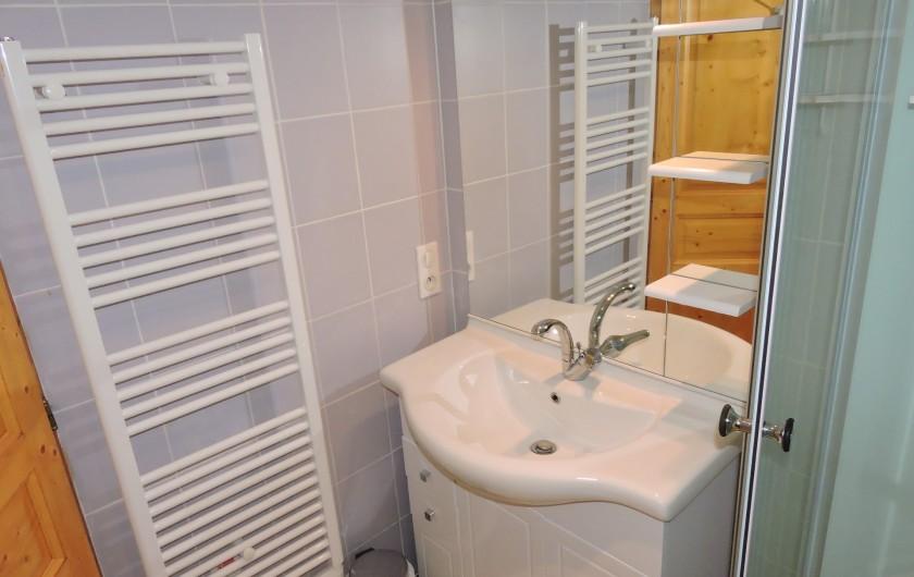 Location de vacances - Villa à Rochefort - appartement 1  salle d'eau