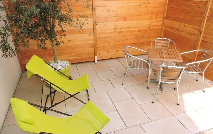 Location de vacances - Villa à Rochefort - Appartement 1  et sa terrasse