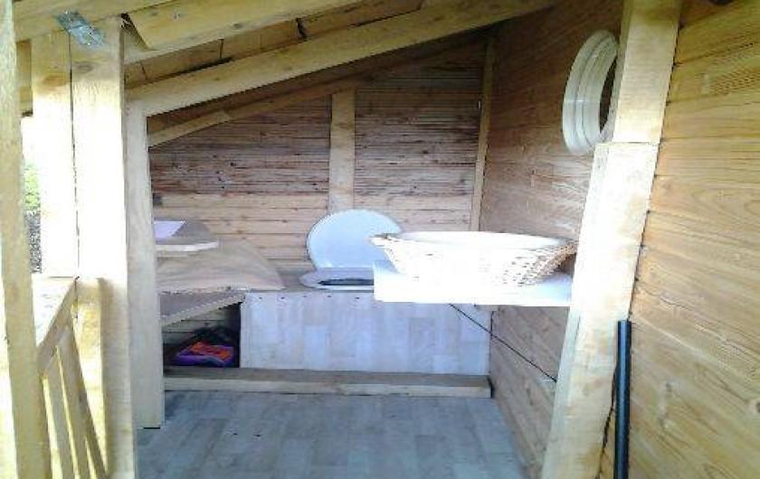 Location de vacances - Cabane dans les arbres à Paulhac-en-Margeride - Toilettes sèches