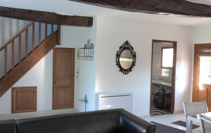 Location de vacances - Gîte à Tours-en-Vimeu - l'entrée du gite avec la SDB à droite