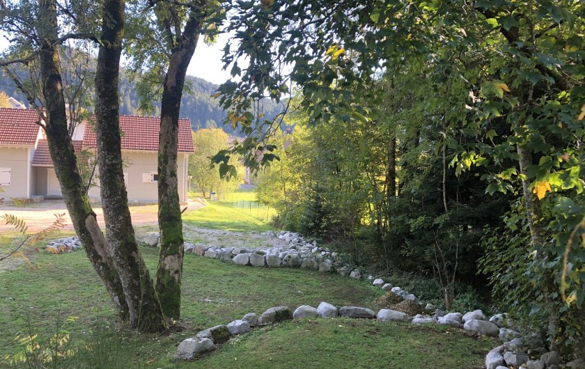 Location de vacances - Chalet à Gérardmer - Parc attenant au Chalet
