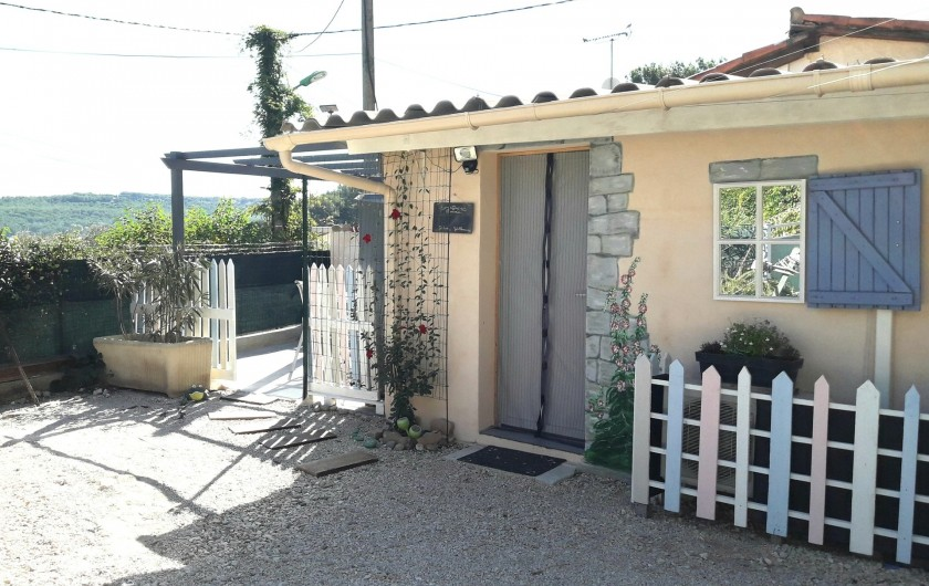 Location de vacances - Maison - Villa à Istres - le studio  Oustau d'Istryo (petite maison en provençale)