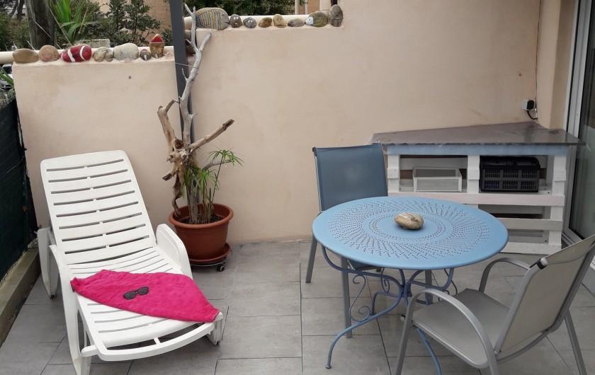 Location de vacances - Maison - Villa à Istres - transat pour se decontracter
