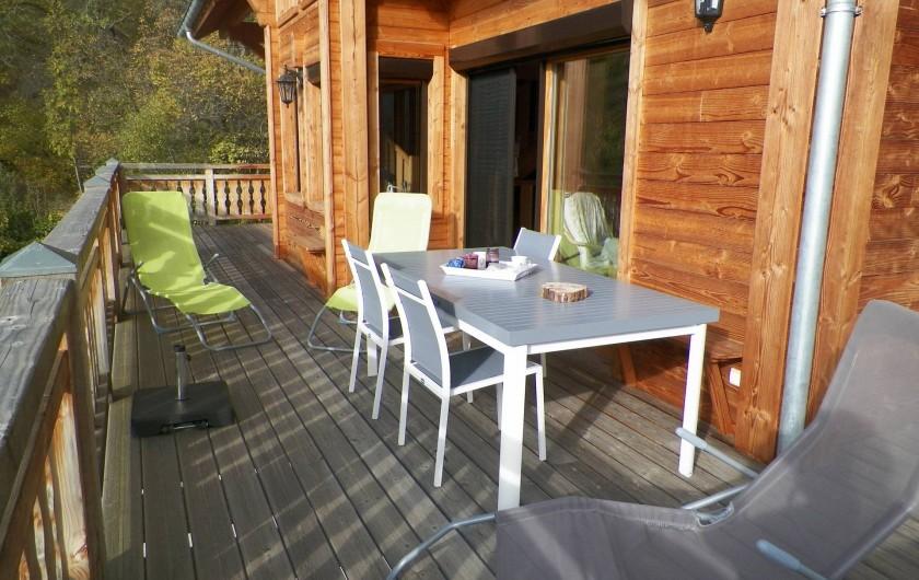 Location de vacances - Chalet à Saint-Jean-Saint-Nicolas - Petit déjeuner ou repas en terrasse