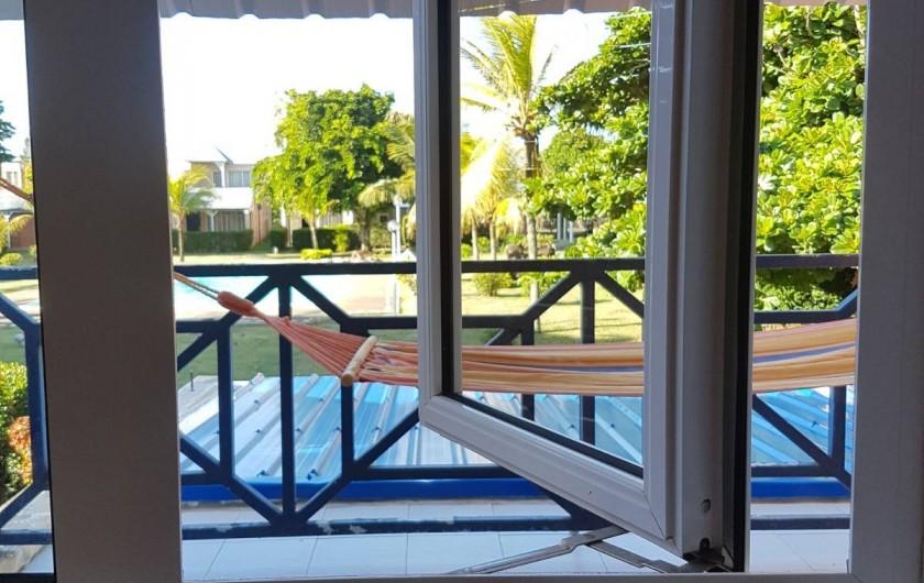 Location de vacances - Maison - Villa à Grand Baie - Fenêtre et vue depuis chambre 1