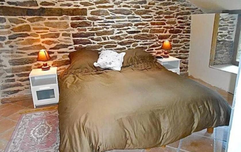 Location de vacances - Maison - Villa à Concoret - Les deux lits jumeaux motorisés de la chambre douillette