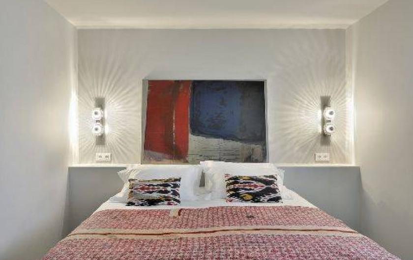 Location de vacances - Chalet à Saint-Martin-de-Belleville - Détail sur une chambre double.
