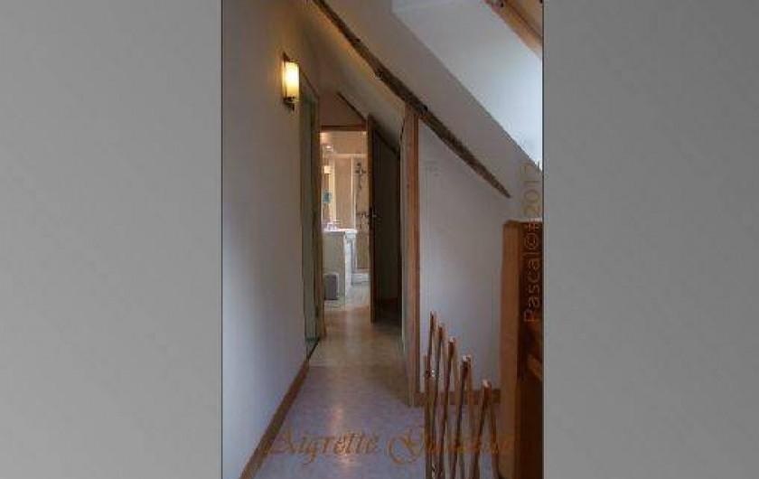 Location de vacances - Gîte à Pleudihen-sur-Rance - couloir étage