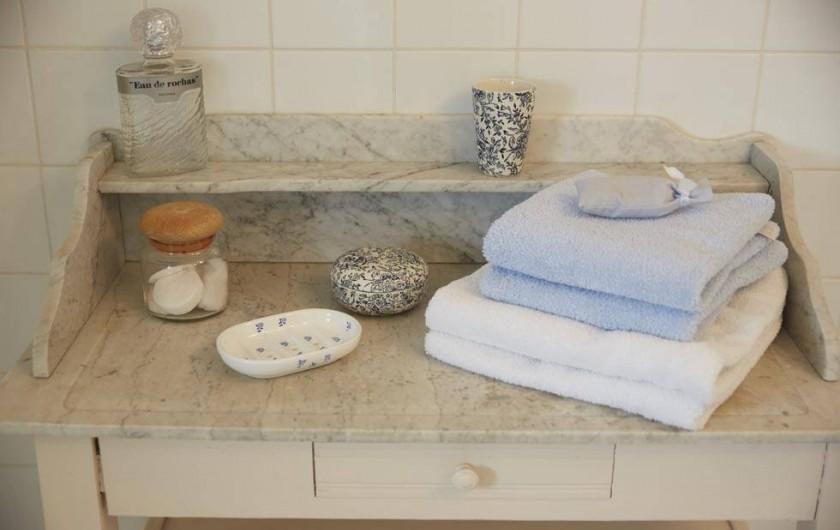 Location de vacances - Chambre d'hôtes à Beaune - Salle de bain du Clos de l'Ecu