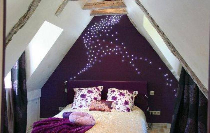 Location de vacances - Mas à Simeyrols - Chambre Parentale à l'étage  climatisée, lit queen size (en 160 de large)
