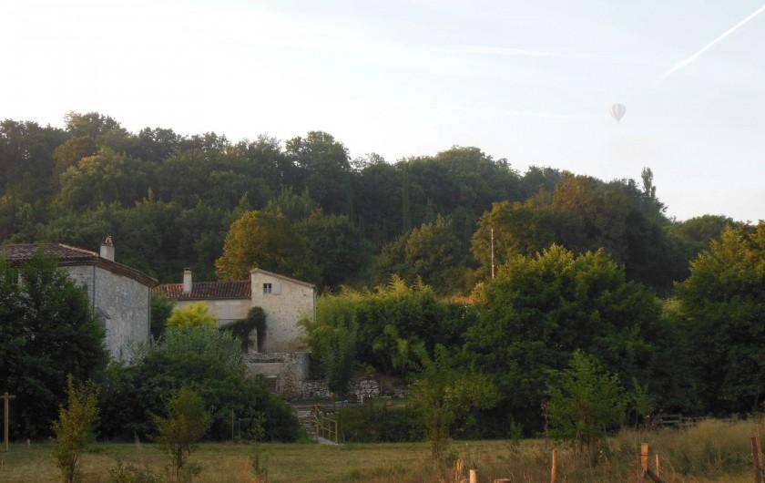 Location de vacances - Gîte à Lectoure - La Mouline de Belin depuis le potager