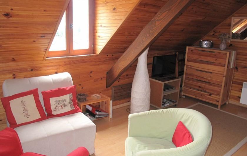 Location de vacances - Studio à Bagnères-de-Bigorre - Pièce à vivre - Coin salon