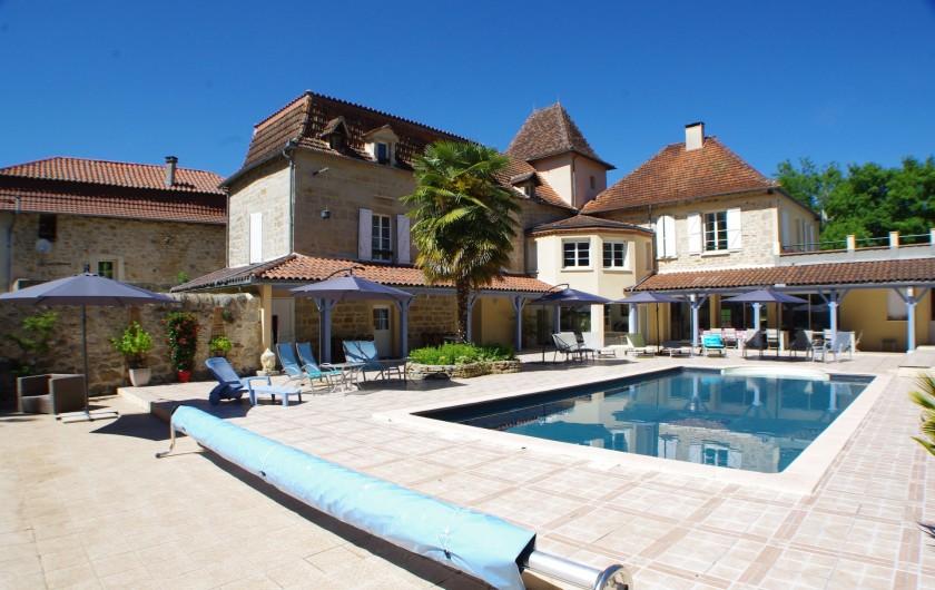 Location de vacances - Gîte à Faycelles - Terrasse piscine