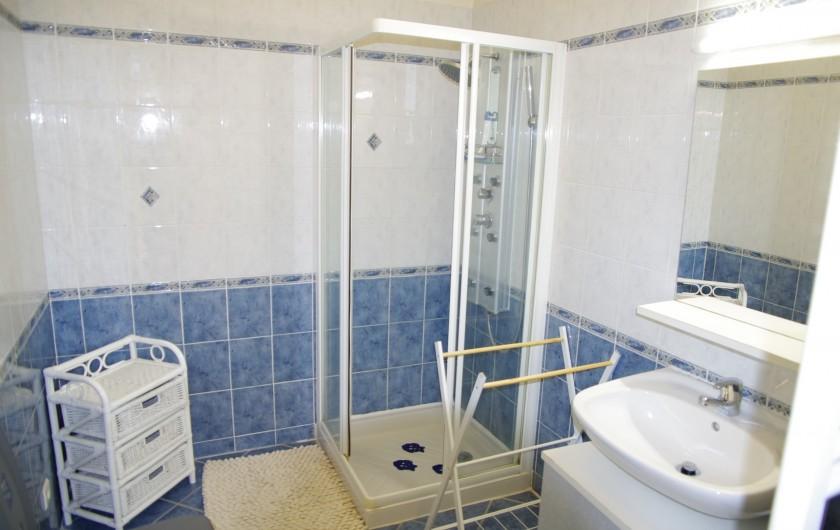 Location de vacances - Gîte à Faycelles - Salle d'eau
