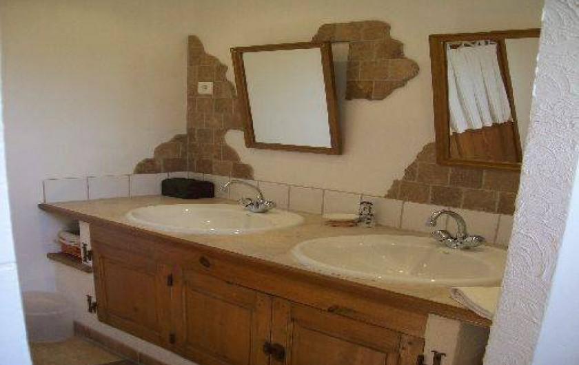 Location de vacances - Mas à Cabannes - Salle de bain