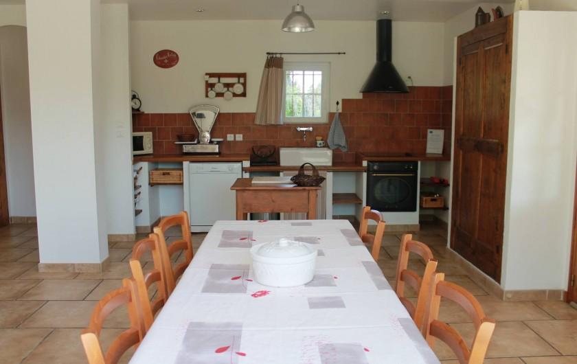 Location de vacances - Mas à Cabannes - Coin repas