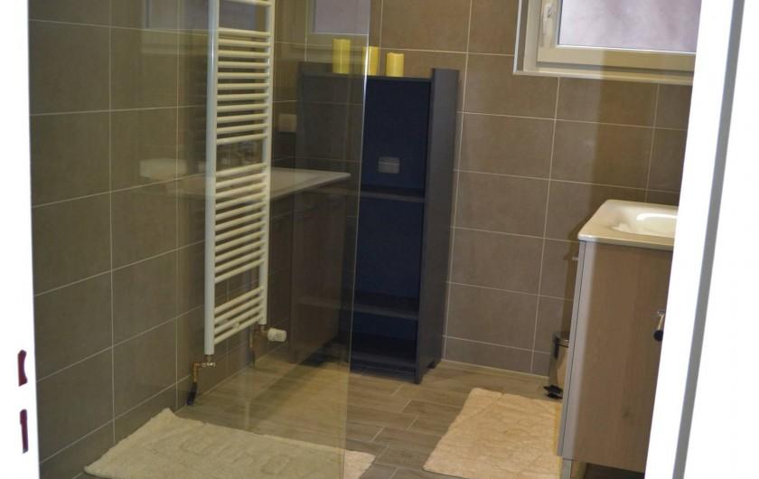 Location de vacances - Gîte à Ribeauville - Salle de bain avec douche à l'italienne