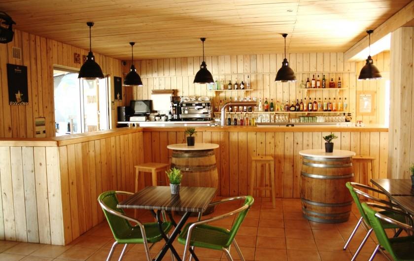Location de vacances - Camping à Le Barcarès - Le bar entièrement rénové pour encore plus de bons moments au Soleil Bleu !