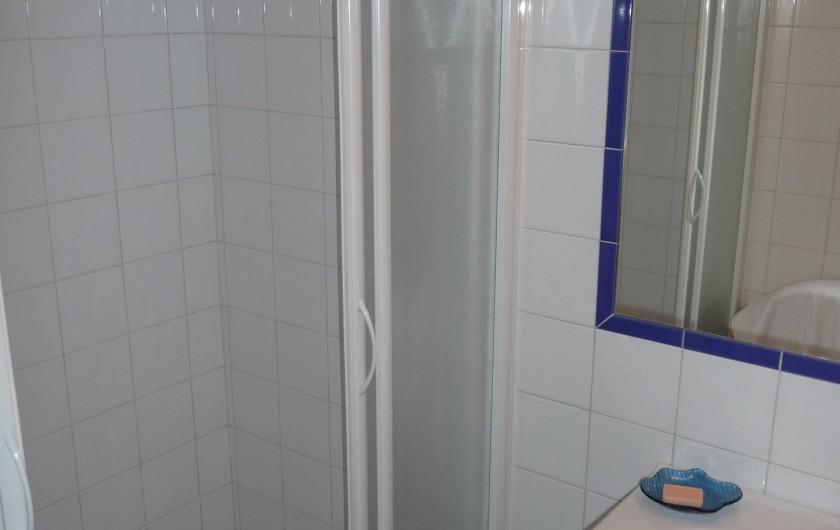 Location de vacances - Gîte à Aubres - Salle de bain douche