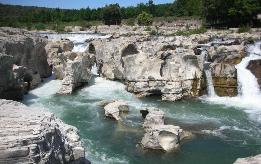 Location de vacances - Villa à Saint-Martin-d'Ardèche - les Cascades du Sautadet...à 20kms, superbe !!