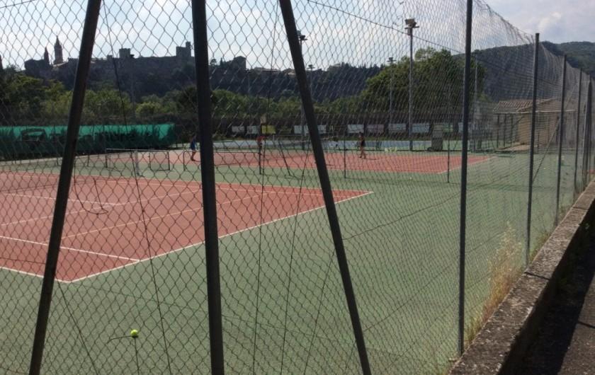 Location de vacances - Villa à Saint-Martin-d'Ardèche - tennis ( gestion communale) 200M de la maison