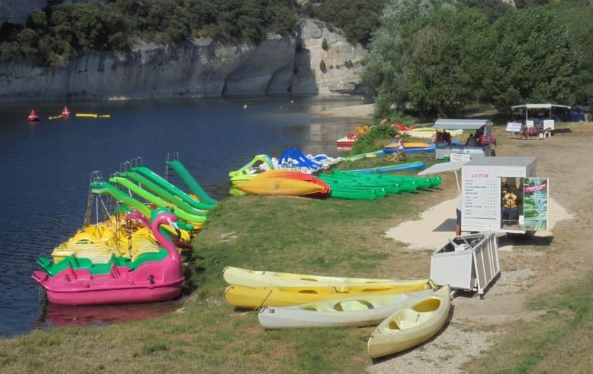 Location de vacances - Villa à Saint-Martin-d'Ardèche - kayaks et pédalos en location pour promenade sur l'Ardèche