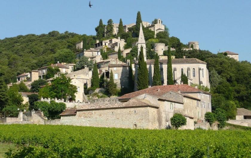Location de vacances - Villa à Saint-Martin-d'Ardèche - La Roque /s Cèze, magnifique.