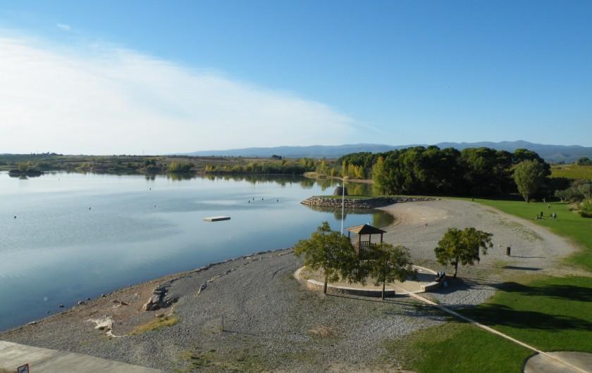 Location de vacances - Villa à Homps - Lac de Jouarres ( juillet et aôut la plage est surveillée par des MNS)
