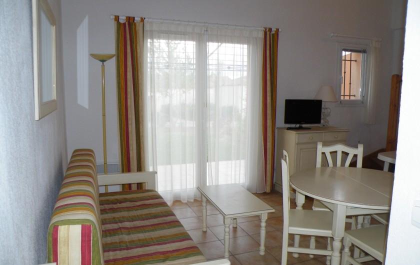 Location de vacances - Villa à Homps - Séjour salon