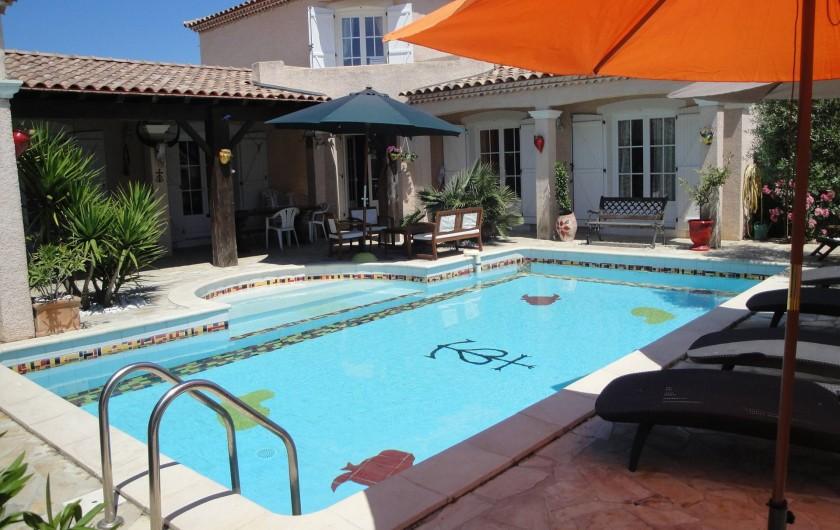 Villa avec piscine en camargue dans le gard saint laurent d 39 aigouze for Villa vacances piscine
