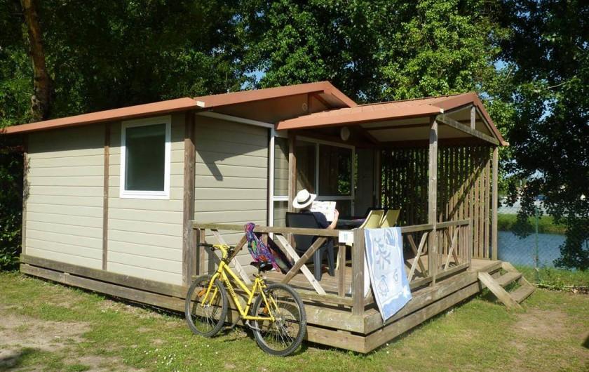 Location de vacances - Camping à Surgères - Chalet Némo, 4 pers. 2 chambres
