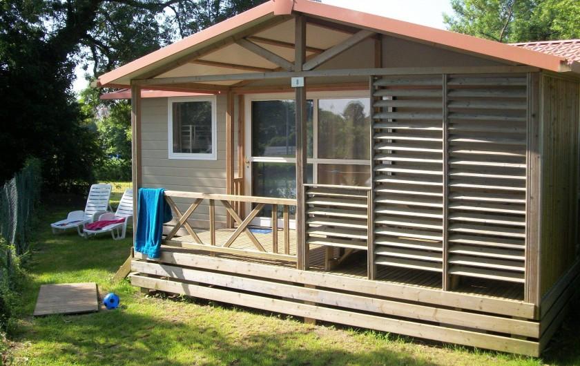 Location de vacances - Camping à Surgères - Chalet Samoa, 7/9 pers. 3 chambres