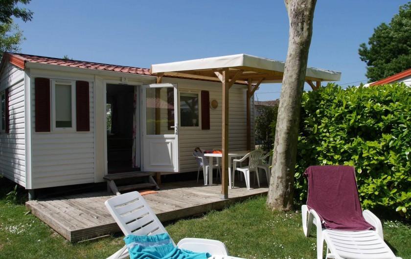 Location de vacances - Camping à Surgères - Mobil home Vénus, 4 pers. 2 chambres