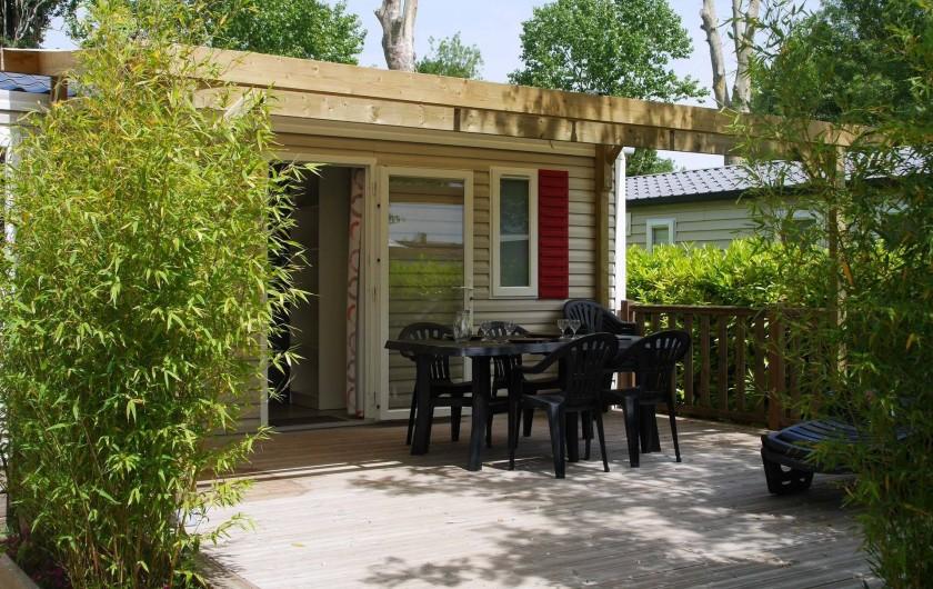 Location de vacances - Camping à Surgères - Mobil home Bermudes,  6/8 pers. 3 chambres