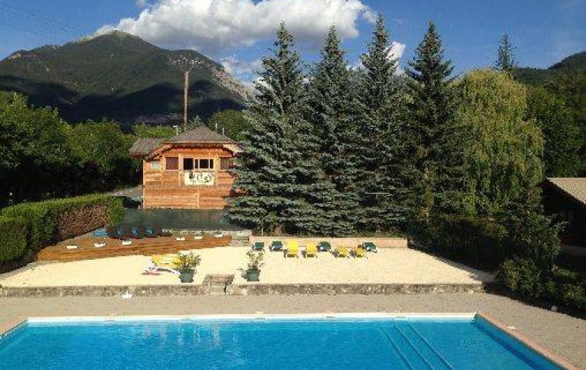 Camping le villard guillestre avec piscine et tennis for Camping alpes de hautes provence avec piscine