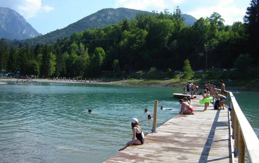 Location de vacances - Chalet à Lescheraines - base de loisirs et plans d'eau à1,2 km