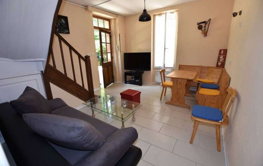 Location de vacances - Chambre d'hôtes à Lalinde - Le salon et Salle à manger du Gîte