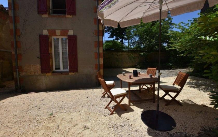 Location de vacances - Chambre d'hôtes à Lalinde - La Terrasse du Gîte