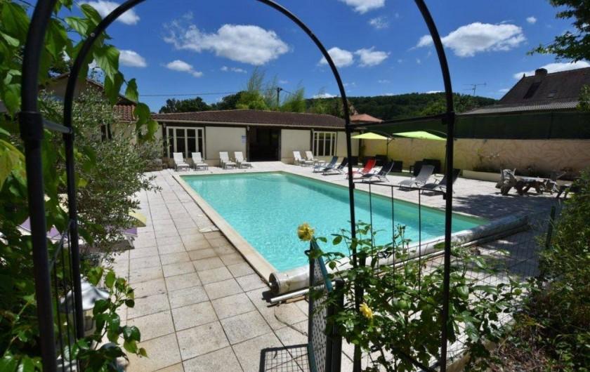 Location de vacances - Chambre d'hôtes à Lalinde - Piscine à partager